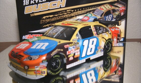 Kyle Busch 2009 M&M's 1/24 Action Nascar Diecast ~ IN STOCK