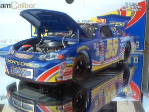 Kenny Wallace 2000 Square D Team Caliber Owners Series 1/24 Scale Nascar Diecast