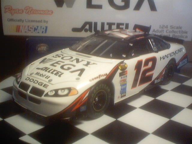 RYAN NEWMAN 2004 SONY WEGA TEAM CALIBER 1/24 OWNERS SERIES NASCAR DIECAST