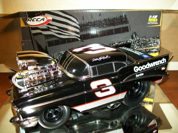 DALE EARNHARDT SR 1957 CHEVY MUSCLE MACHINES 1/18 ACTION RCCA NASCAR DIECAST