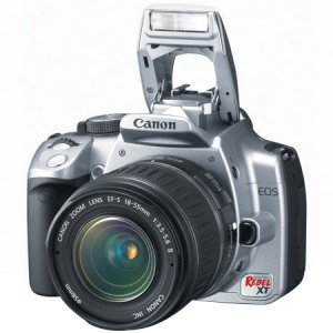 Canon Digital Rebel XT SLR   8.0 MegaPixels Camera with EFS 18 55mm f 3.5-5.6 Lens