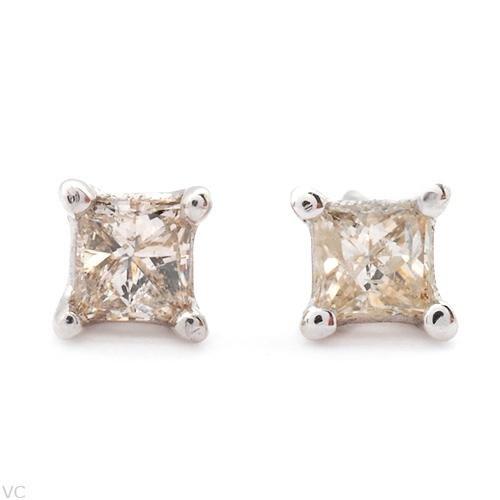 Sprakling .20ct Princess Cut Diamond Earrings White Gold