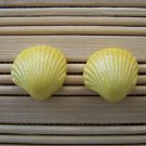 shell shaped yellow sparkle stud earrings