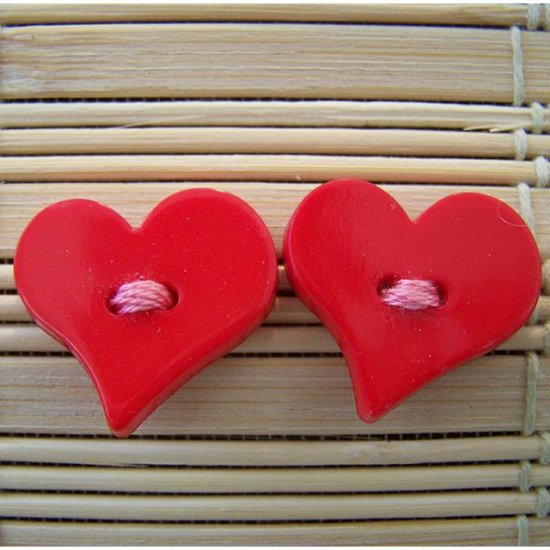 red big heart stud earrings with pink