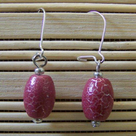 raspberry crackle oval dangle earrings