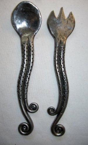 Salad Utensils Set Spoon Fork Artisan Hammered Metal Silver Pewter Color Tendrils 11 Inch