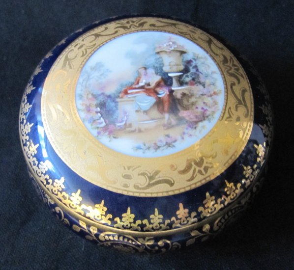 LIMOGES France Rehausse Main Ornate Cobalt Gilt Porcelain Trinket Box Bowl Courting Couple 3.5 In
