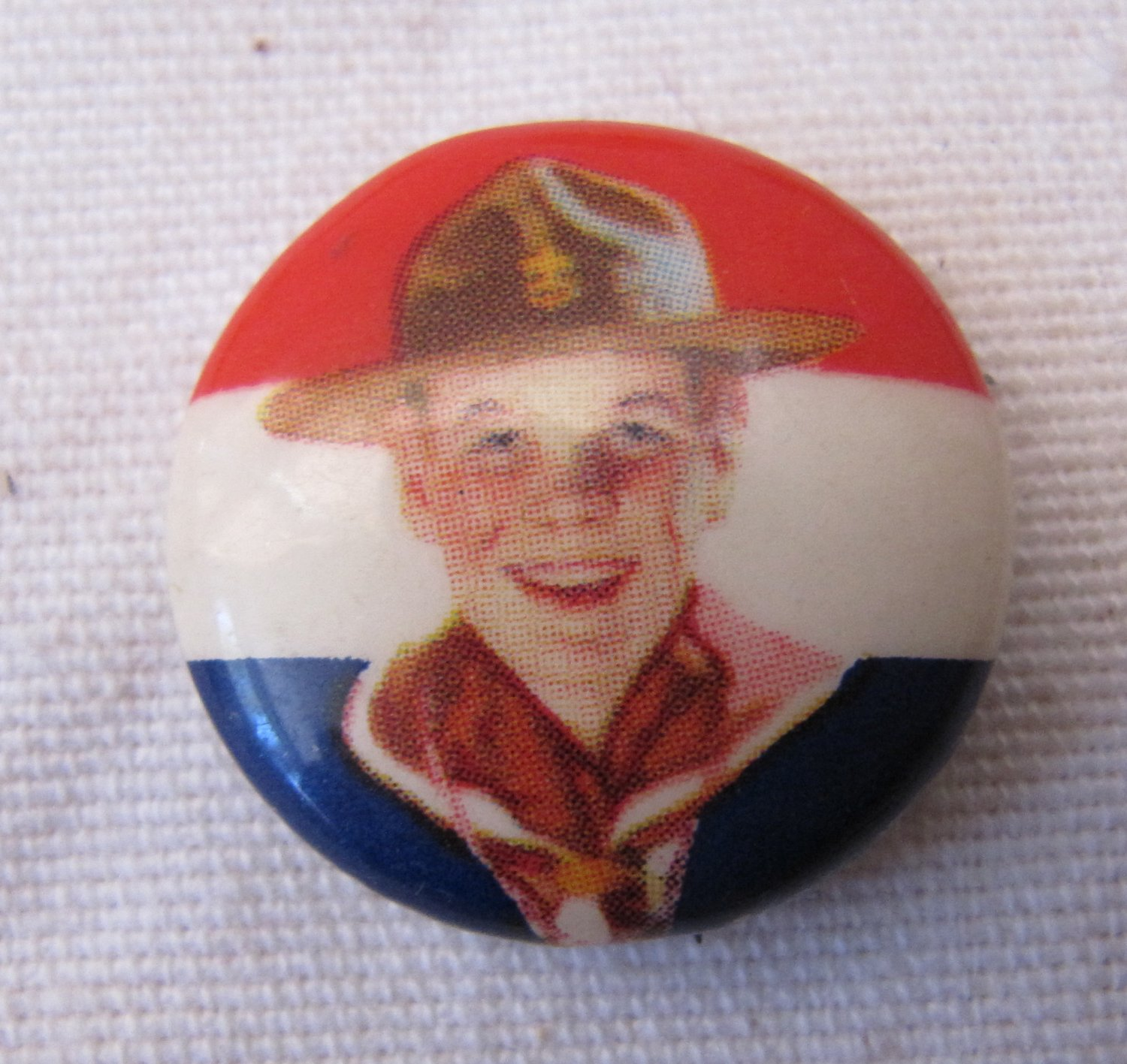 Vintage Boy Scout Smiling Face Hat Pinback Pin Button Offset Gravure Celluloid Litho .875 Inch