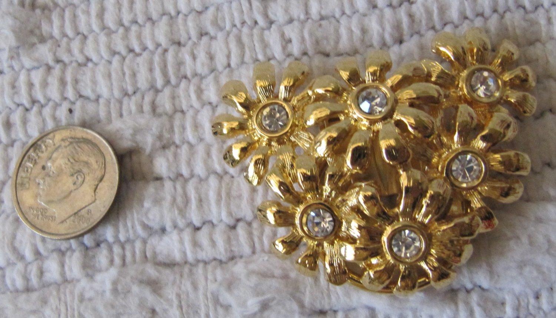 Vintage Scarf Pin Gold Tone Metal Flower Bouquet Figural Rhinestones 2 Inch
