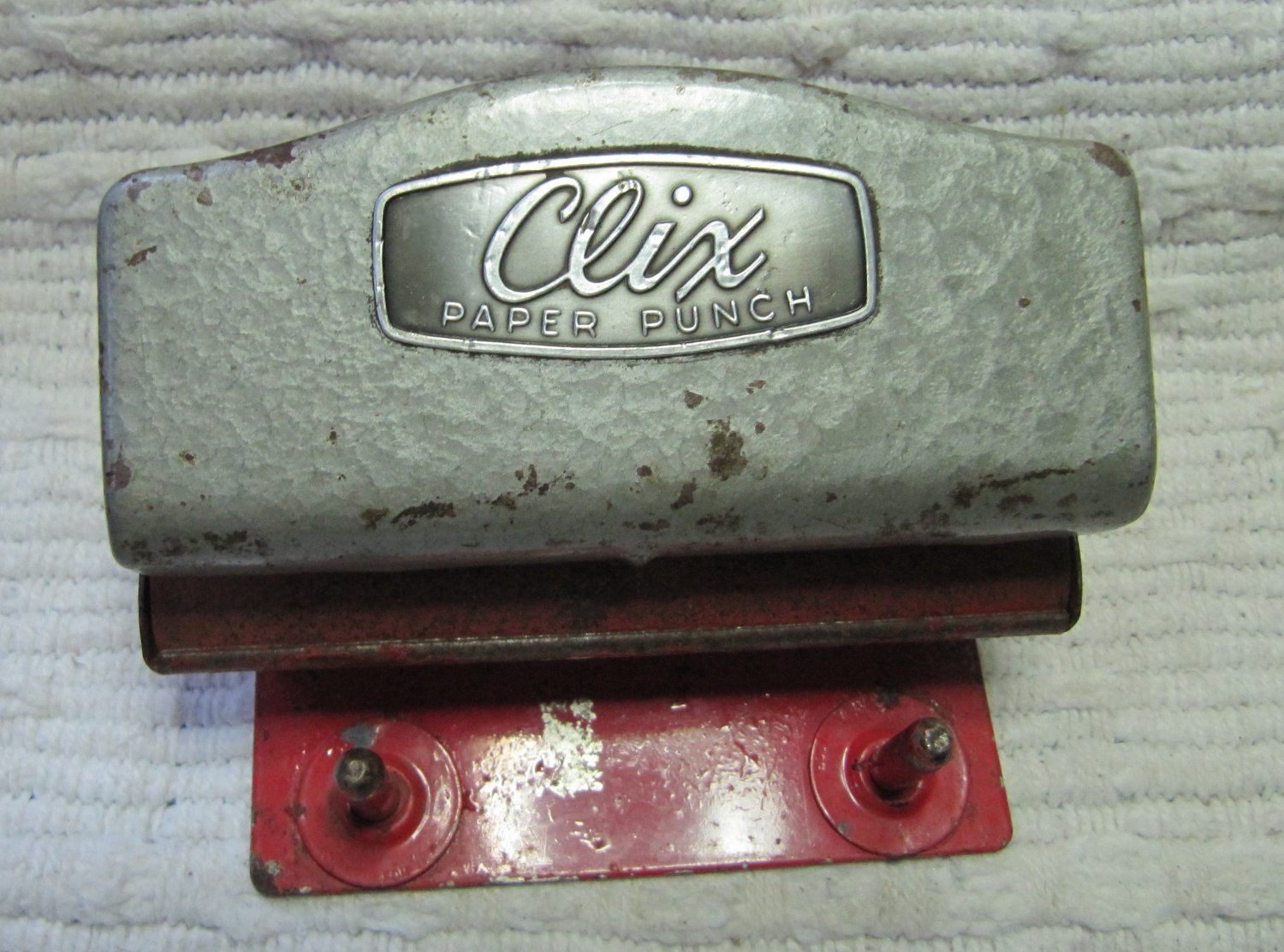 Vintage c 1940s CLIX 2 Hole Paper Punch Red Base N.E. Paper Punch Co. Natick, MA Pat. No. 2,244,660