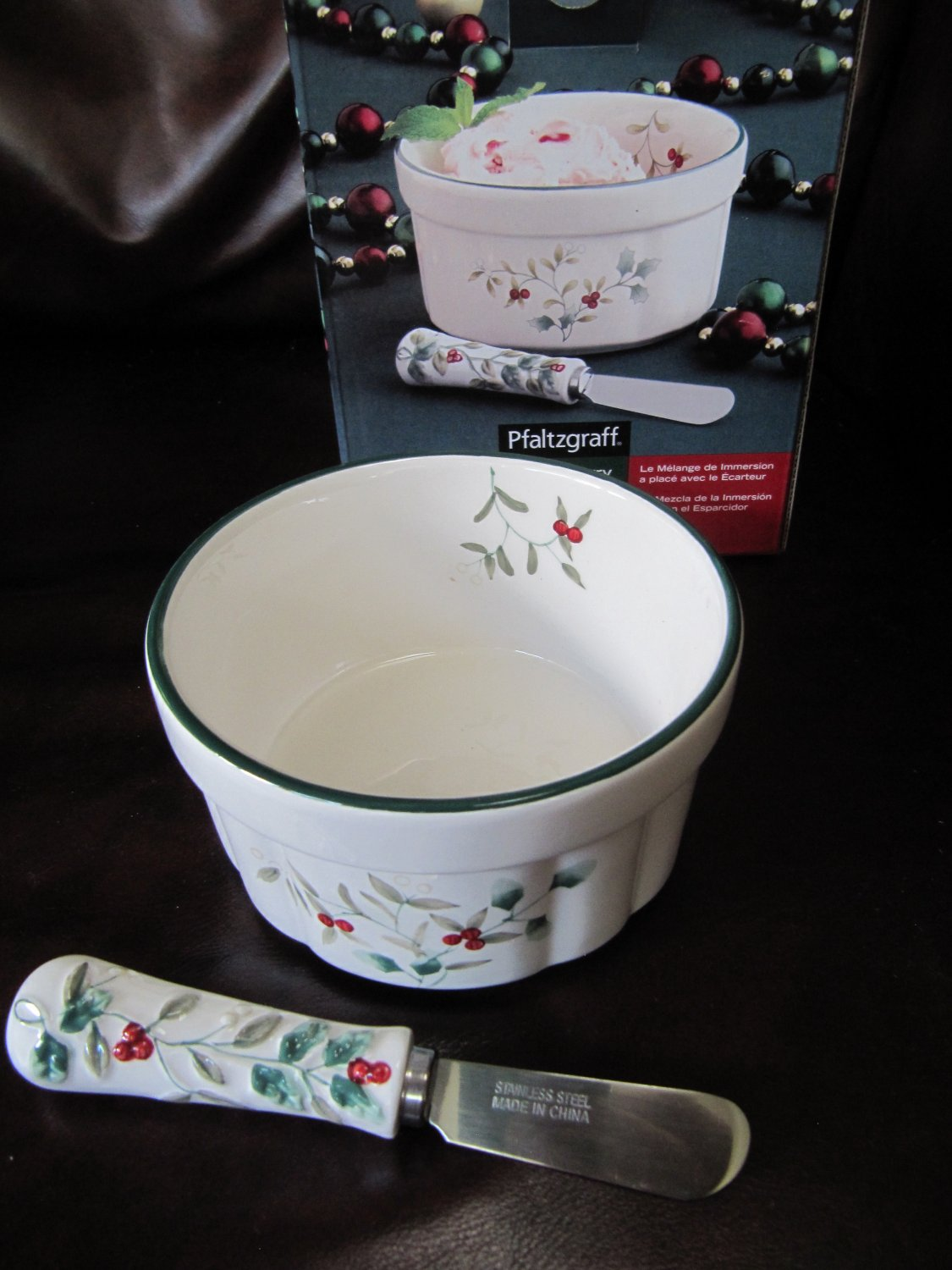 Pfaltzgraff Winterberry Dip Mix Set Bowl with Spreader Earthenware White with Holly