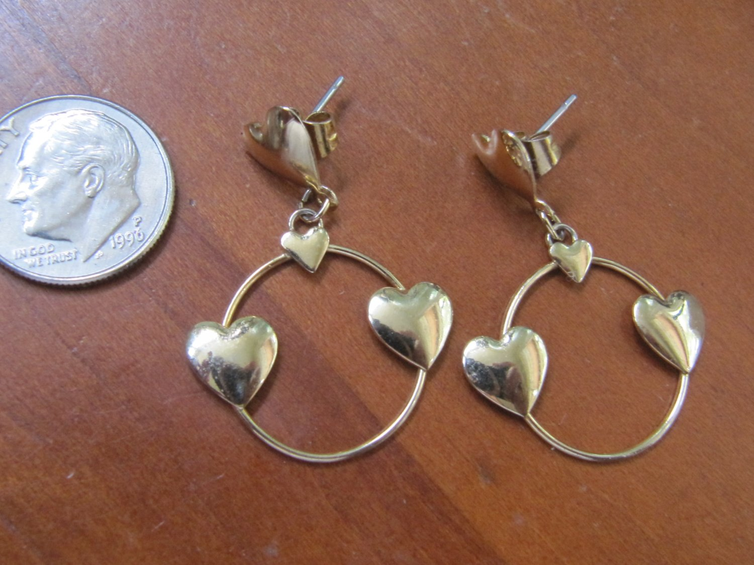 Vintage Flashy Bright Gold Tone Hearts Circle Dangle Drop Style Pierced Earrings 1 Inch