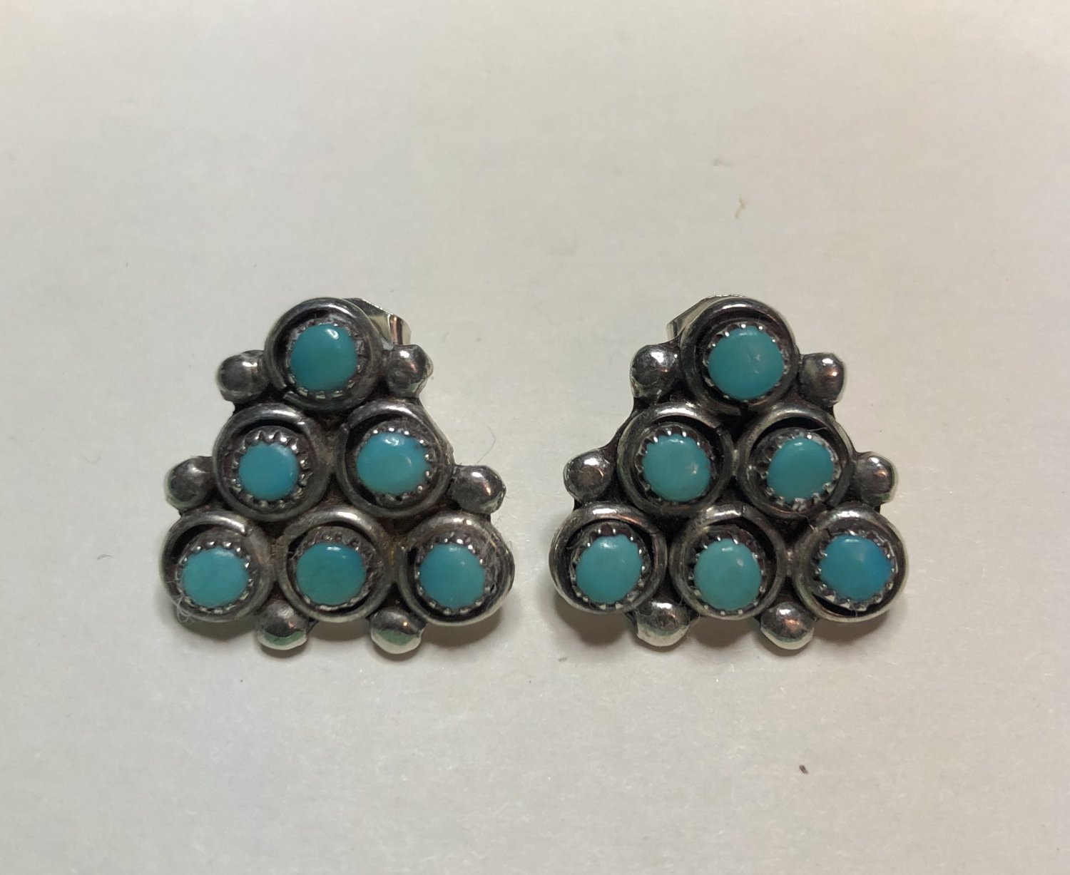 Vintage Artisan Blue Turquoise Pierced Earrings Six Stones Set Pyramid Design in 925 Silver .625 in