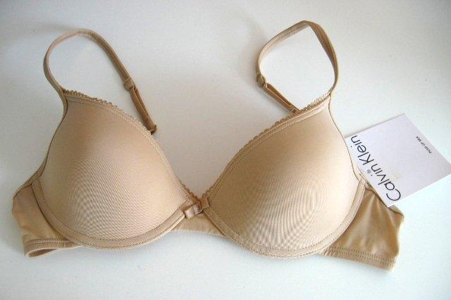 A0404 Calvin Klein STRETCH CONTOUR BRA F2688D NUDE SIZE 34A
