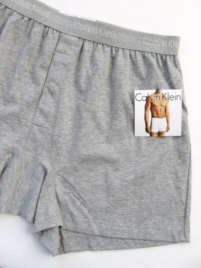 A0100 CALVIN KLEIN MEN'S GRAY BASIC KNIT BOXER U1049D, SIZE EXTRA LARGE