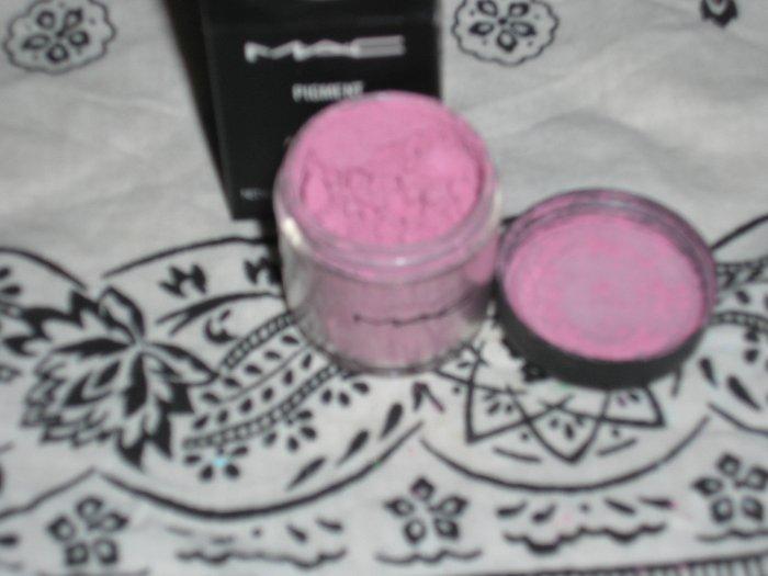 mac pro matte pigment MAUVE sample