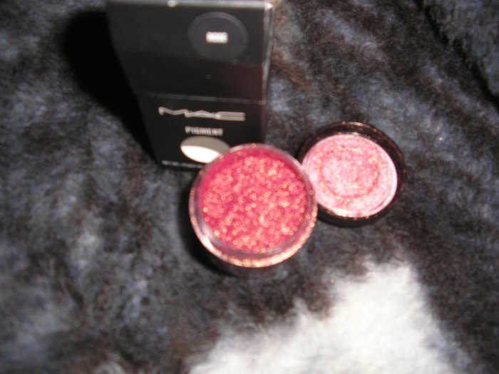 Mac Pigment    ROSE  W0W SAMPLE SZ