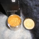 Mac GOLDEN LEMON Pigment wow hot 1/4 sample sz