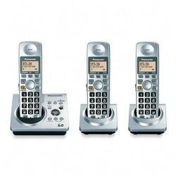 Panasonic KX-TG1033S Digital Cordless Phone with Three Handsets