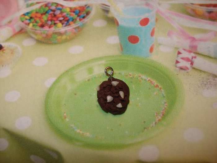 Chocolate cookie with white chocolate chunks charm
