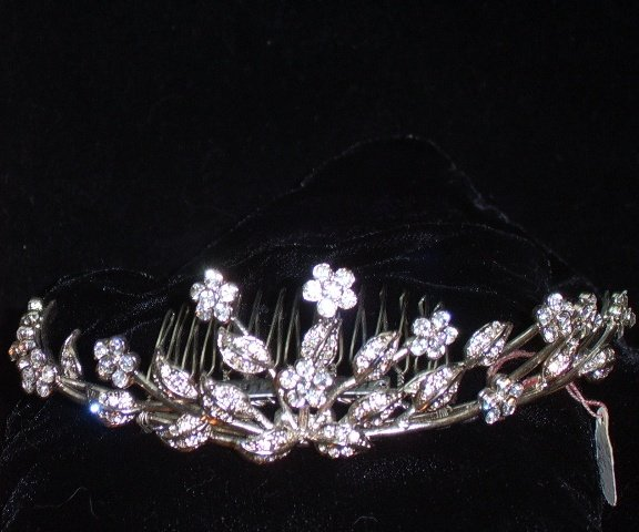 Felicity's Flower & Leaf Tiara Comb by Nelson D'Leon