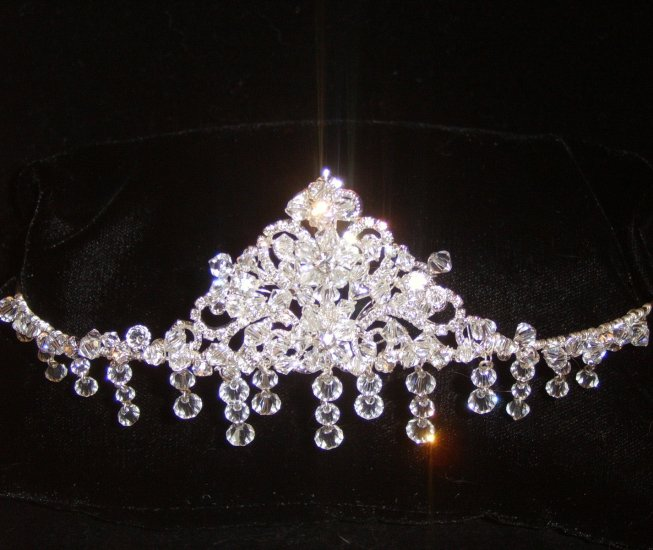 Annalise Face Frame Crystal Crown in Silver with crystal cascades