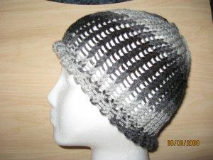 Gray waves skully knit hat
