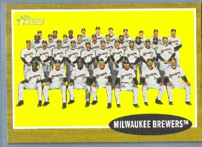 2011 Topps Heritage Baseball Milwaukee Brewers Team (Brewers) #61