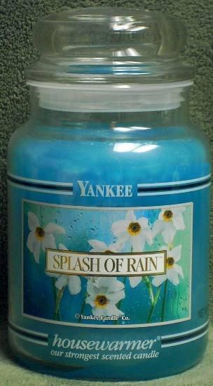 """Yankee Candle """"Splash Of Rain"""" 22oz. Housewarmer Candle"""