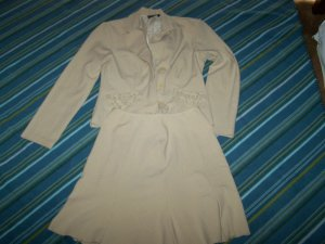 2Pcs suit  sz  7 ( used ) by Donutz.
