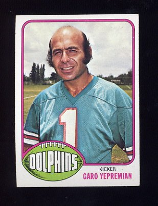 1976 Topps Football #435 Garo Yepremian - Miami Dolphins