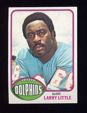 1976 Topps Football #033 Larry Little - Miami Dolphins