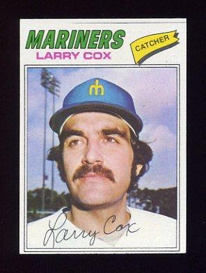 1977 Topps Baseball #379 Larry Cox RC - Seattle Mariners