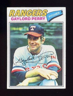 1977 Topps Baseball #152 Gaylord Perry - Texas Rangers P