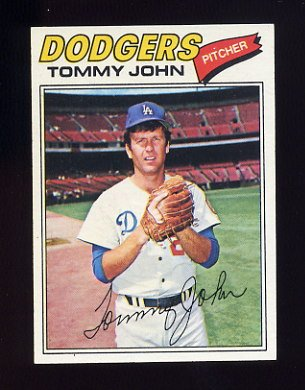 1977 Topps Baseball #128 Tommy John - Los Angeles Dodgers