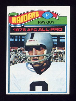 1977 Topps Football #320 Ray Guy - Oakland Raiders