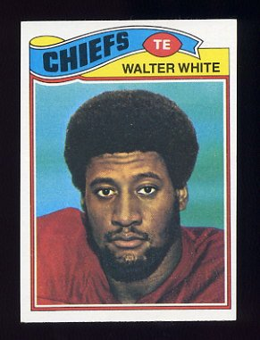 1977 Topps Football #107 Walter White - Kansas City Chiefs