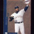 1996 Leaf Preferred Baseball #079 Tony Gwynn - San Diego Padres