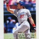 1997 Fleer Baseball #371 Mike Piazza - Los Angeles Dodgers