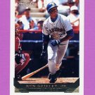 1993 Topps Gold Baseball #179 Ken Griffey Jr. - Seattle Mariners