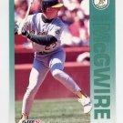 1992 Fleer Baseball #262 Mark McGwire - Oakland A's