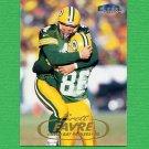 1998 Fleer Tradition Football #001 Brett Favre - Green Bay Packers