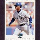 1997 Score Baseball #156 Ken Griffey Jr. - Seattle Mariners