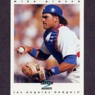1997 Score Baseball #022 Mike Piazza - Los Angeles Dodgers