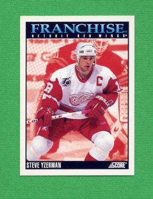 1992-93 Score Hockey #423 Steve Yzerman FP - Detroit Red Wings