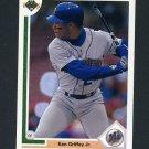 1991 Upper Deck Baseball #555 Ken Griffey Jr. - Seattle Mariners