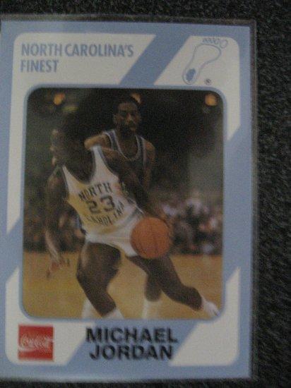 Michael Jordan 1989 Collegiate Collection North Carolina's Finest card Chicago Bulls