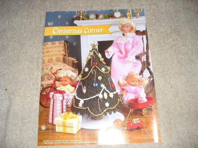 FASHION DOLL CHRISTMAS CORNER PLASTIC CANVAS PATTERN