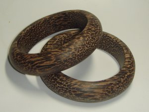 UNIQUE Wooden Bangle beautiful grain wood handmade