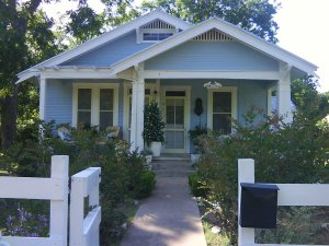 The Blue Bungalow On Orange Street